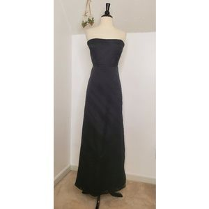 Kay Unger New York Strapless Evening Gown